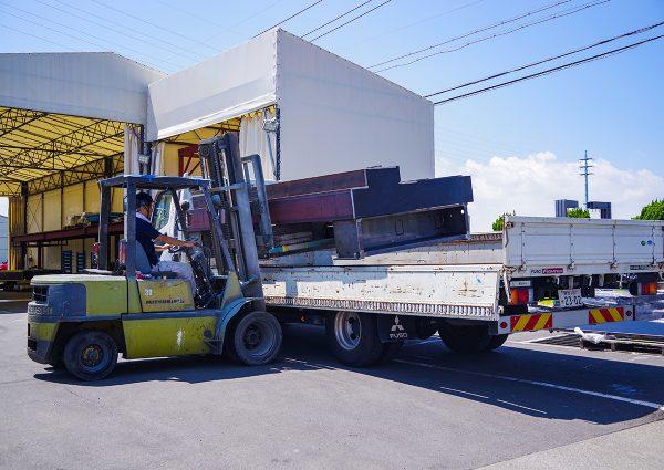 自社トラック運送